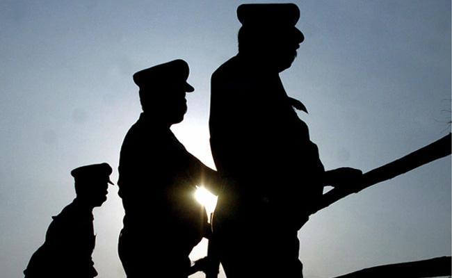 Three Policemen Suspended In Theft Case - Sakshi