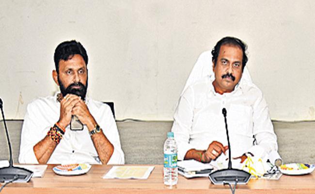 Kurasala Kannababu Comments On Purchase of crops and micro-farming - Sakshi