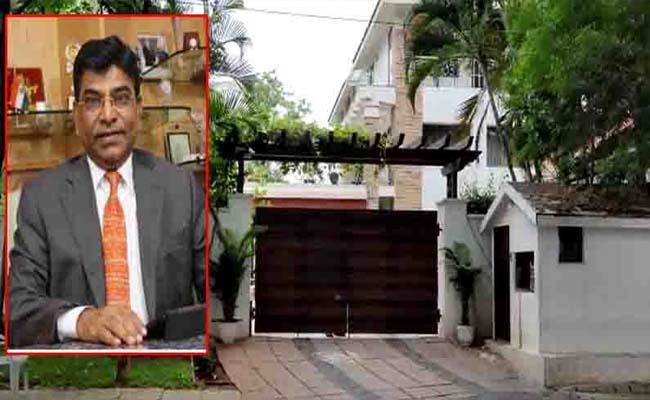 ED Raids TRS MP Nama Nageswara Raos Residence And Offices - Sakshi