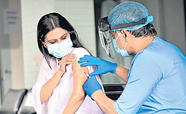 Coronavirus Vaccination Increase In Private Hospitals At Telangana - Sakshi