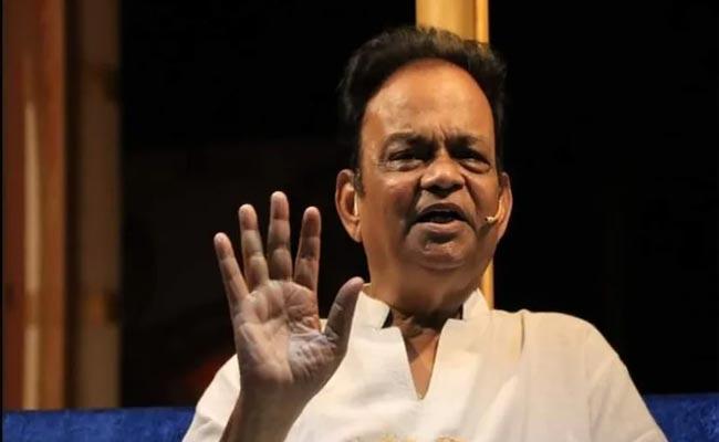 Spiritual Guru Shiv Shankar Baba Booked Case Complaint By School Students - Sakshi