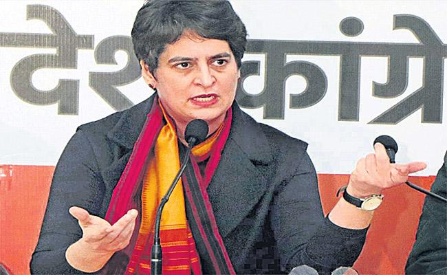 Priyanka Gandhi Harshly Criticises PM Modi Over Handling Of Covid Crisis - Sakshi