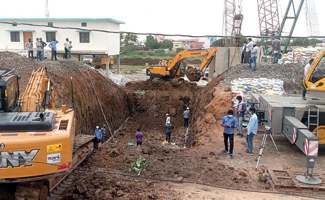 Jadcherla: Railway Department Builds Triple Track Bridge In 12 Hours - Sakshi