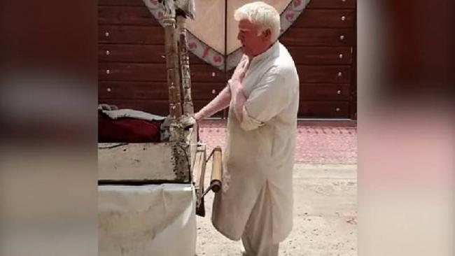 Donald Trump Doppelganger Selling Kulfi in Pakistan - Sakshi