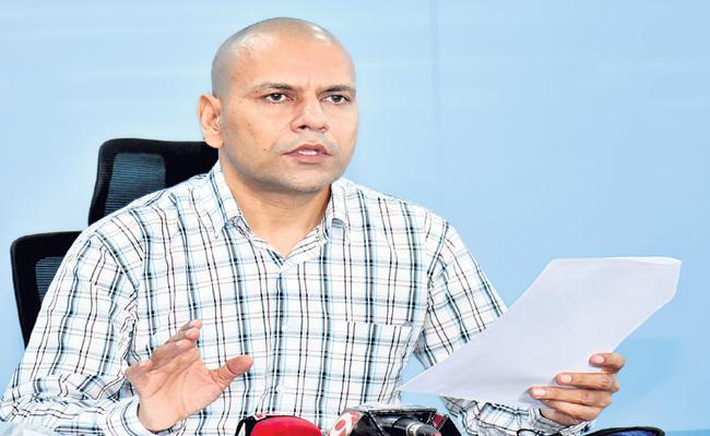 Anilkumar Singhal said Corona cases are decreasing across Andhra Pradesh - Sakshi