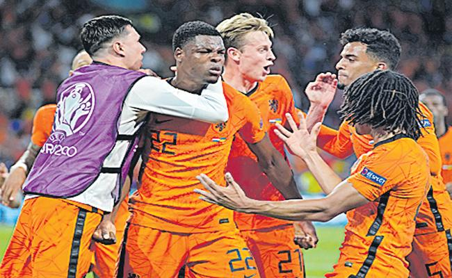 Netherlands make winning return in a major tournament by beating Ukraine - Sakshi