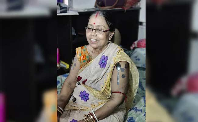 Woman From Bengal Develops Magnetism In Body Not Blames Corona Vaccine - Sakshi