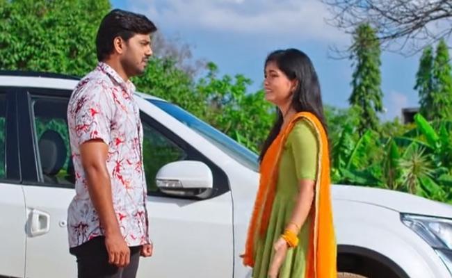 Devatha Serial : Adithya Gives The Shocking News To Satya - Sakshi