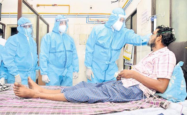 Bhumana Karunakar gave courage to Covid victims at Rua Hospital - Sakshi
