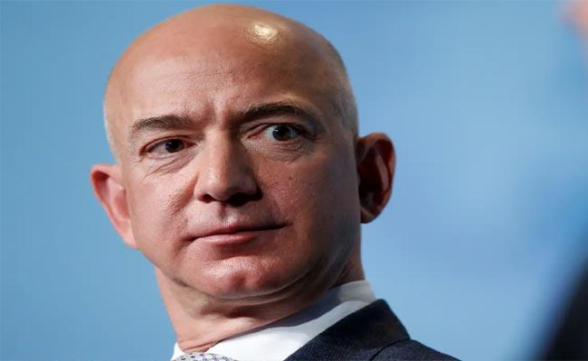 Thousands Sign Petition To Not Allow Jeff Bezos Re Entry To Earth - Sakshi
