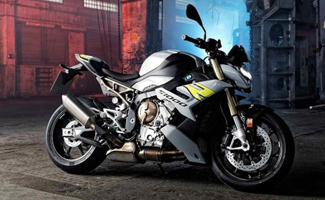BMW Introduce Its New Sports Bike S 100 R In India This Super Bike Gets 100 KM In 2 Seconds - Sakshi