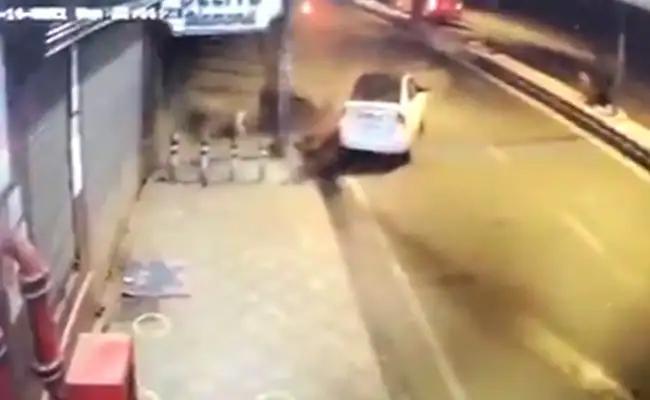 E-Rickshaw Driver And Woman Lost Life By Speeding Car In Delhi - Sakshi