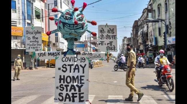 Due To Lockdown Corona Cases Decline In Telangana - Sakshi