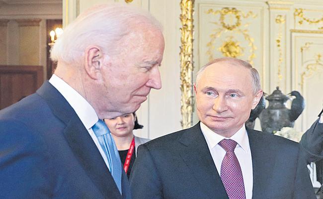 Joe Biden, Vladimir Putin meet in Geneva - Sakshi
