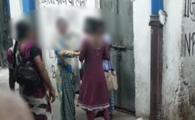 Hijras Attack On Marriage People In Neredmet - Sakshi