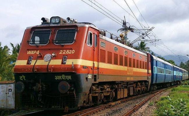 Express Trains Has Started After CoronaVirus Secondwave  - Sakshi
