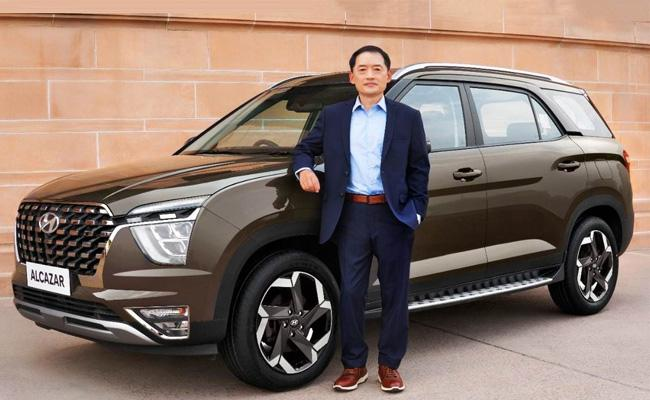 Hyundai Alcazar SUV launched in India: Price,features - Sakshi