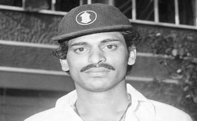 Former Karnataka All-rounder B Vijayakrishna Passes Away - Sakshi