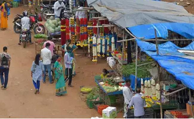 Can Reopen malls Restaurants from June 21 in karnataka - Sakshi
