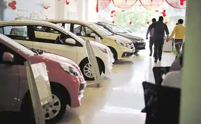 Covid 19 Effect On AutoMobile Industry Decline In Car Sales - Sakshi