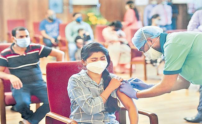 Vaccines Charge Up Natural Immunity Against SARS CoV-2 - Sakshi