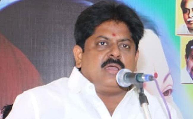 Ex AIADMK Minister M Manikandan Arrested Over Molestation On Woman Allegations - Sakshi