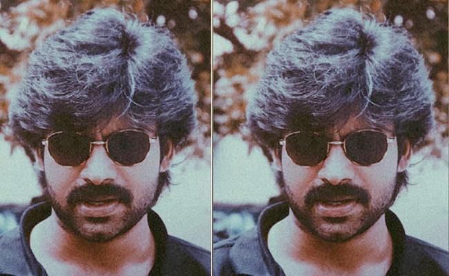 Pawan Kalyan Old Pic Looks Like Arjun Reddy, Goes Viral On Social Media - Sakshi