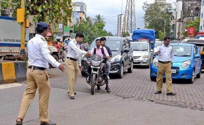 Police Impose Fine on Who Violate Lock down Rules In Rajanna Siricilla - Sakshi