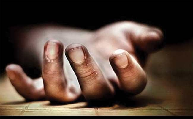 A Man Ends Life Due To Family Problems In Medak - Sakshi