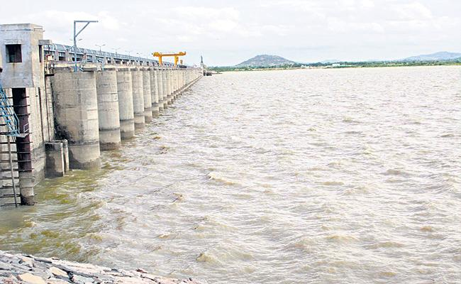 Telangana Government Planning To Build Huge Barrage On Krishna River - Sakshi