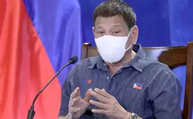 Philippines Duterte threatens vaccine decliners with jail - Sakshi
