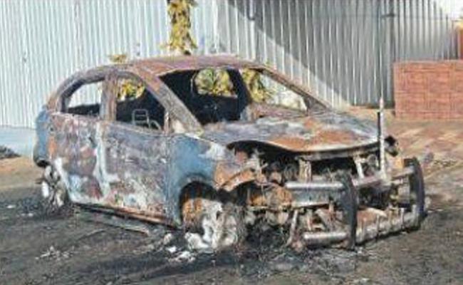 Sasikala Phone Conversation With AIADMK Leader Unknown People Burn His Car - Sakshi