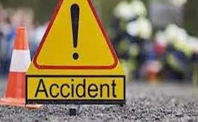 Three Lost Life Road Accident In Anantapur - Sakshi