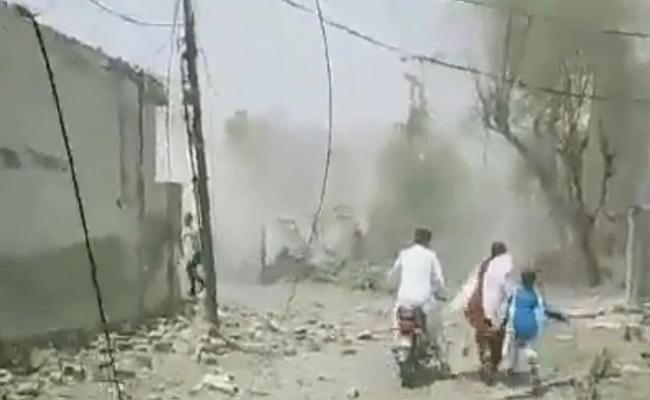Major Blast Occured In Lahore Near Hafiz Saeed House Pakistan - Sakshi