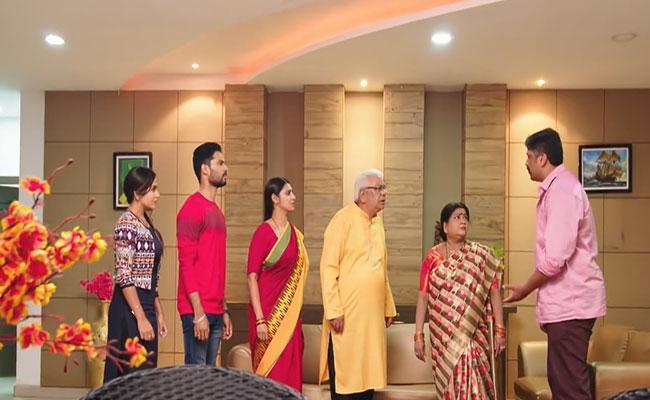 Intinti Gruhalakshmi June 23: Abhi Quits His Job - Sakshi