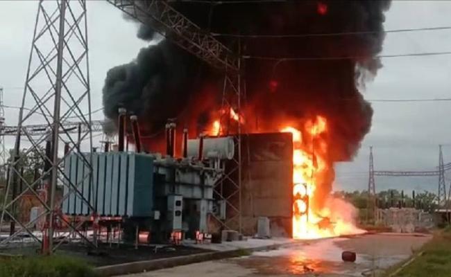 Fire Accident In Telangana Transco Substation In Pahadi Shareef - Sakshi