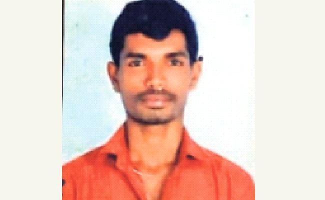 Man Brutally Assassinated With Knife In Vijayawada - Sakshi
