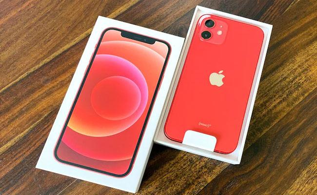 Amazon Is Offering Discounts Of Up To Rs 9000 On Various Models Of The Iphone 12 - Sakshi