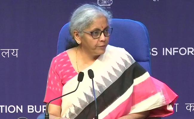 FM Nirmala Sitharamanaddress press conference at 3 pm - Sakshi