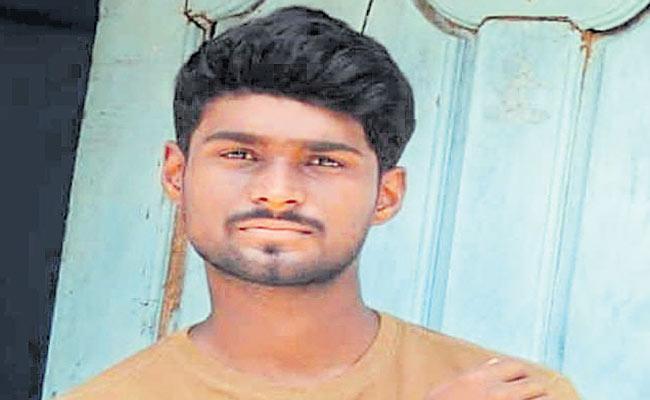 Sri Charan Goud Suicide Attempt in Station Ghanpur - Sakshi