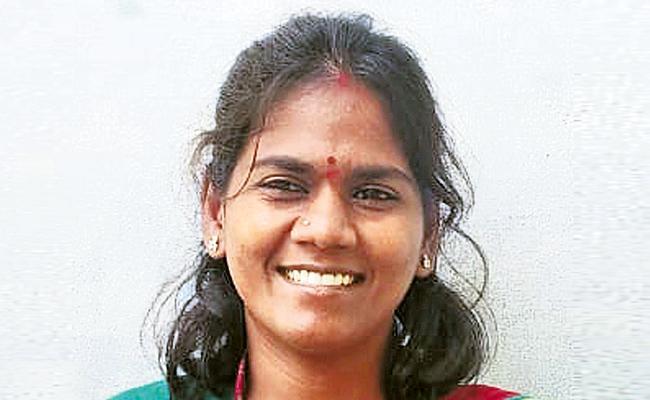 Thamballapalle Woman Bags National Women Water Champion Award - Sakshi