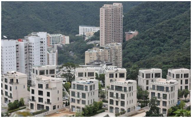 A Parking Space Sold For A Record-breaking $1.3m In Hong Kong - Sakshi