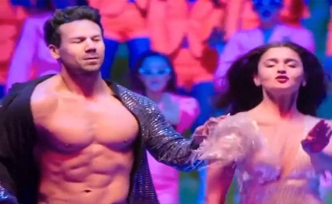David Warner Swaps Faces With Tiger Shroff Came With Hillarious Dance - Sakshi