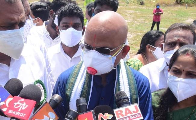 TTD EO Jawahar Reddy Comments On Govinda Nanda Swamy - Sakshi