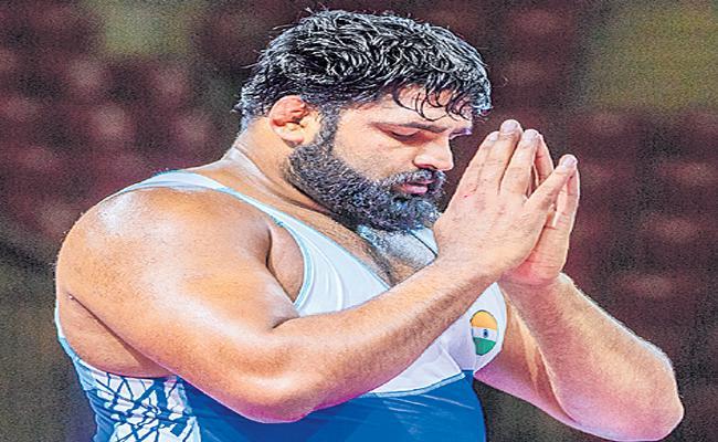 Olympic-bound Indian wrestler Sumit Malik fails dope test - Sakshi