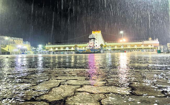 Southwest monsoons are expanding rapidly in Andhra Pradesh - Sakshi