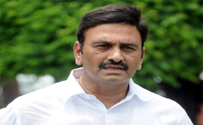 Legal experts says Raghurama Krishnamraju complaint is against the rules - Sakshi