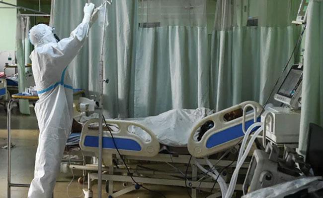 Maharashtra Covid Death Toll Crosses One Lakh Mark - Sakshi