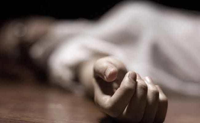 Married Woman Committed Suicide In Kurnool District - Sakshi