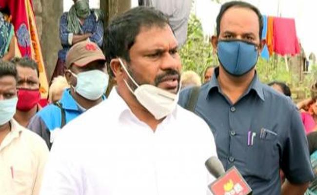 Thellam Balaraju Slams TDP Leader Pattabhi - Sakshi